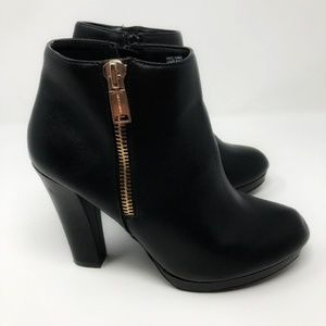Juicy Couture Georgina Black Booties Size 10